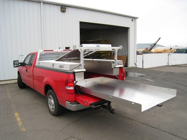 Add an optional Roller Coaster Bed Slide to your Highway Products Pickup Pack for even more storage and ease-of-use.